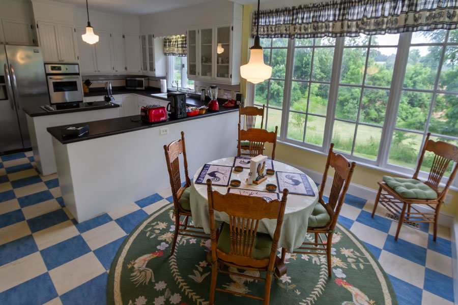 vine cottage kitchen dining table with 4 chairs in natural bridge, virginia